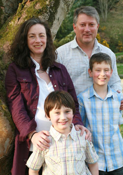 Fiona, David & family welcome you to Coynachie Guest House